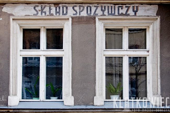 Poznań. Gwara. Reklama na ścianie. Skład spożywczy.