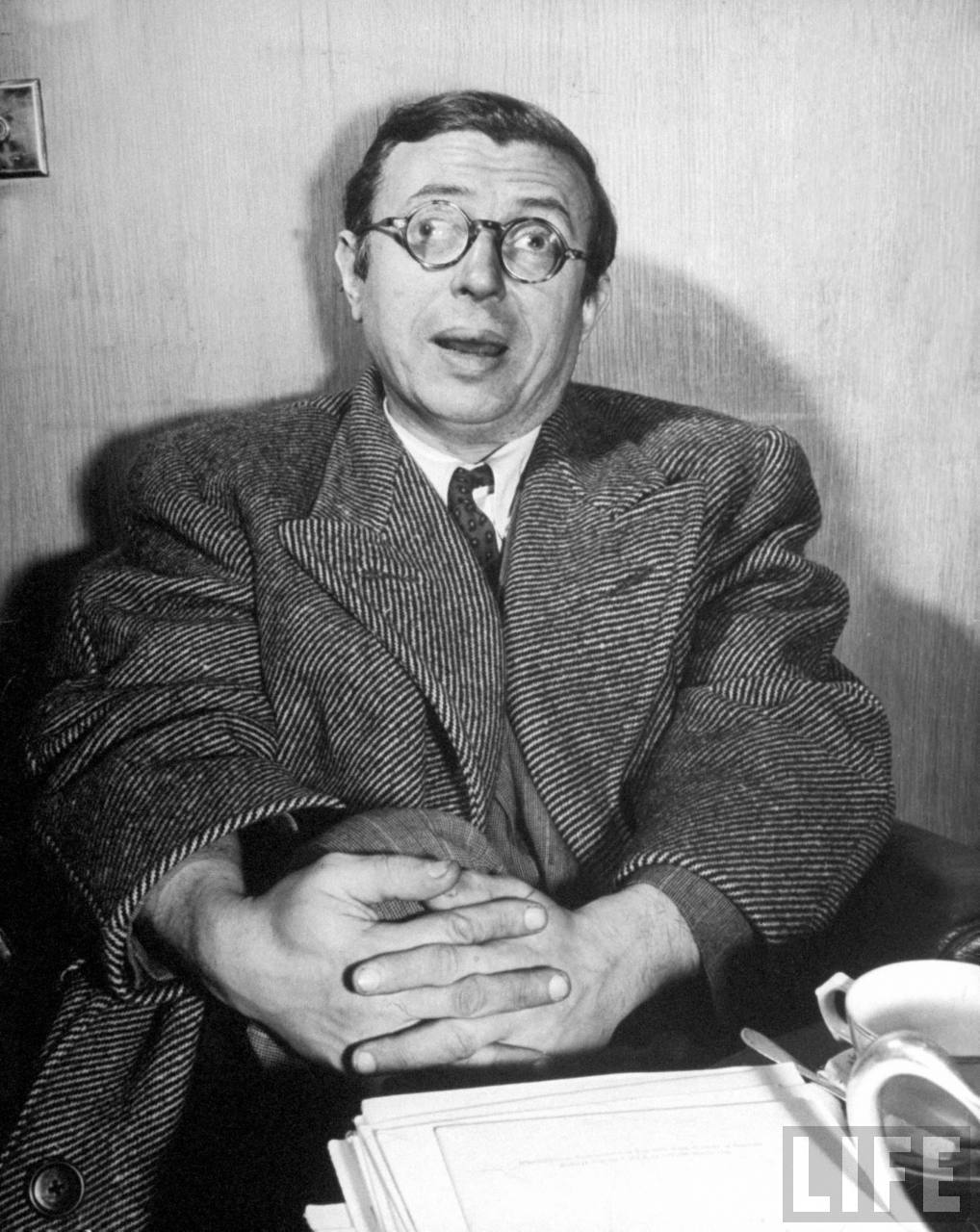 jean paul sarte s life and work Jean-paul sartre, 74, dies in paris by alden whitman jean-paul sartre letters and life, the work provoked only limited interest in literary circles.