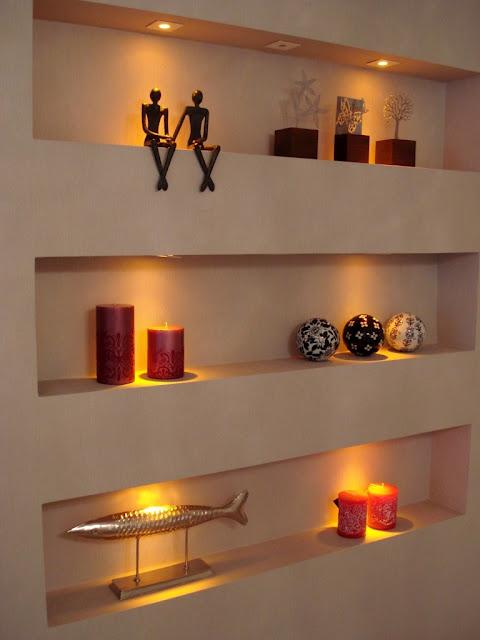 Nichos Na Sala De Tv ~ Nichos de gesso na sala com vários objetos e iluminação!