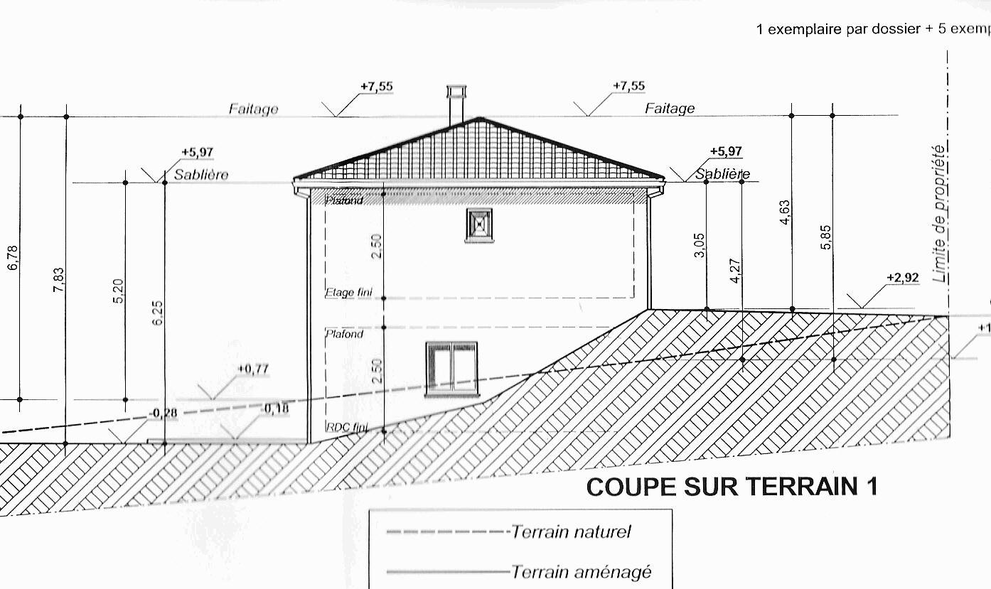 Plan de maison avec sous sol et tage - Plan en coupe terrain et construction ...