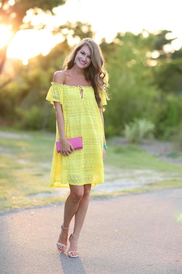 Yellow dress pink heels