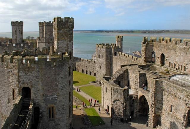 グウィネズのエドワード1世の城郭と市壁の画像 p1_32
