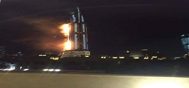 عاجل من دبي : إنفجار هائل منذ قليل قرب برج خلفية و دبي مول