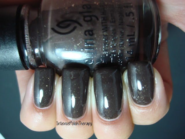 China Glaze - Lug Your Designer Luggage