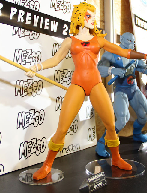"""Mezco Thundercats 14"""" Cheetara figure"""