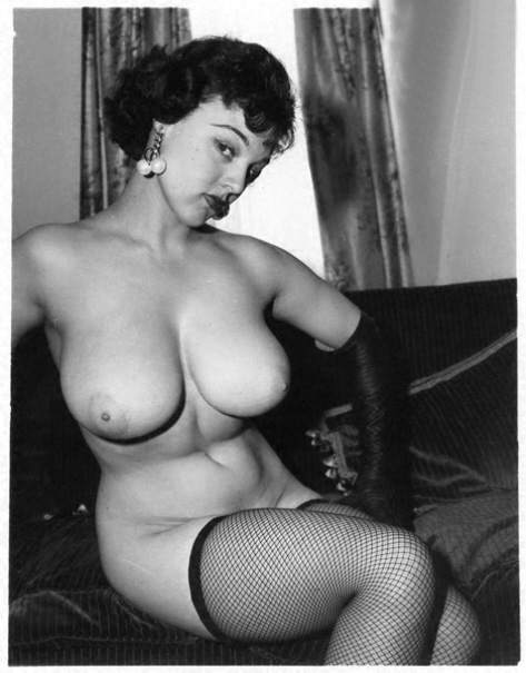 фото ретро голых дам