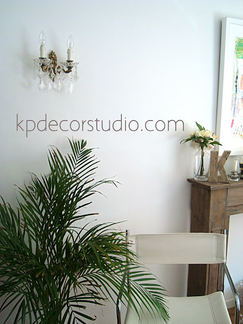Decoracion vintage nordica rustica con aplique vintage dorado de pared con flores y lagrimas
