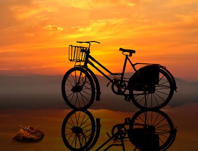 Abandonada a la luz del amanecer - Sunset