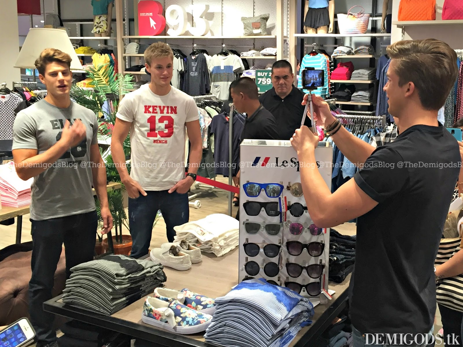 Demigods the bench meet and greet with river viiperi eian scully the meet and greet took place inside the bench store in glorietta it felt very random because the three hunks arrived normally and positioned themselves at kristyandbryce Images