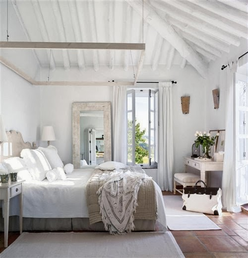 Rooms Of Inspiration: Relaxing White Bedroom
