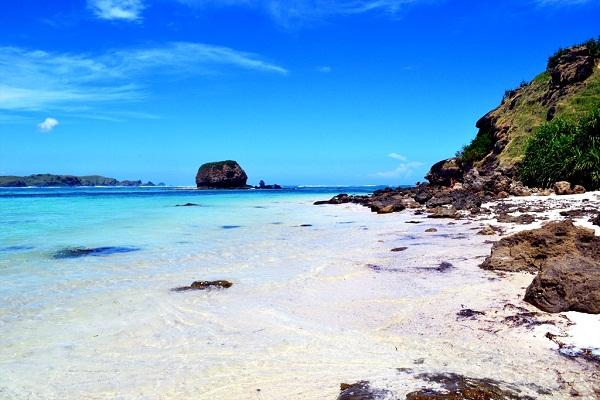 Hasil gambar untuk pantai kuta lombok