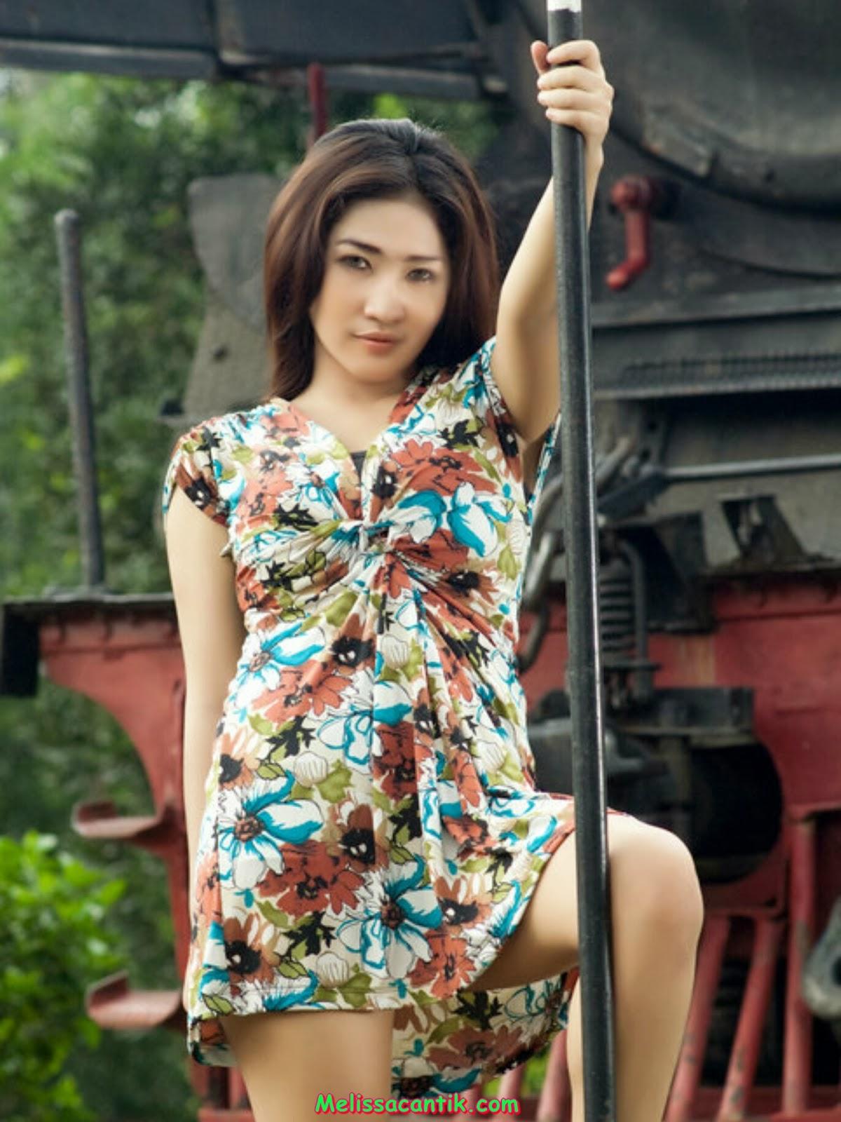 Wenny, Gadis Montok Berjilbab Mantan Foto Model Dewasa (HOT)