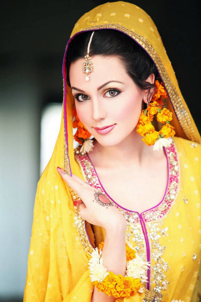 Mehndi design images bridal dresses