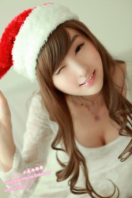 juliet lin sexy santa clause pics 02