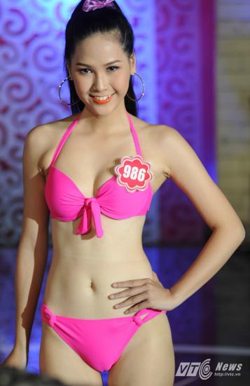 Ảnh gái xinh Hoa hậu miền bắc 2014 với bikini 5