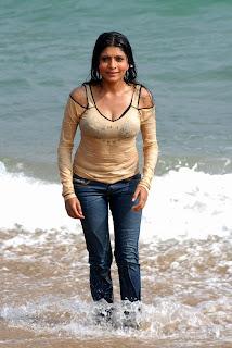 Commando movie actress Pooja chopra hot Still