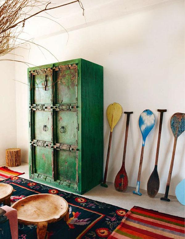 decorar con muebles antiguos-armario pintado colores-antique paint wardrobe