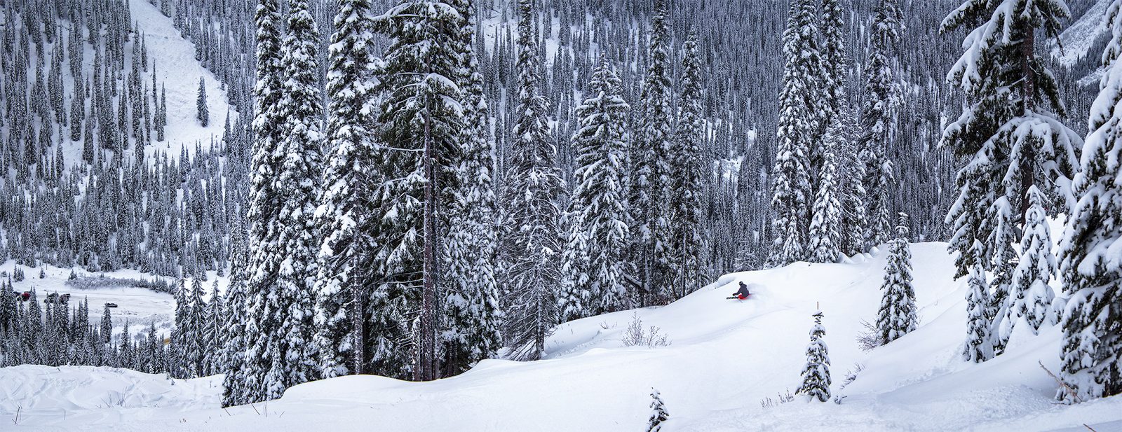 exploring-canada-winter-skiing-kootenay