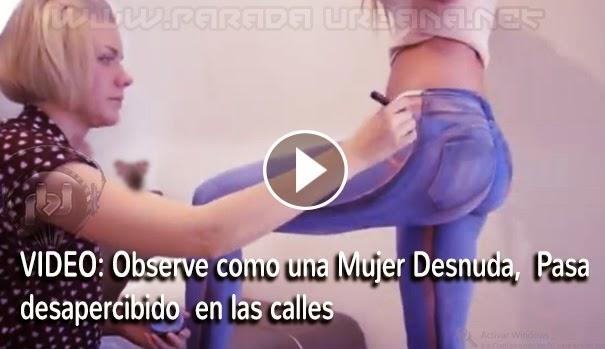 VIDEO - Observe como una Mujer Desnuda, Pasa desapercibido en las calles
