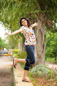 Love You Bangaram Heroine Sravya Photos-thumbnail-20