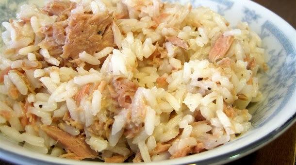 Receita de arroz de atum deliciosa