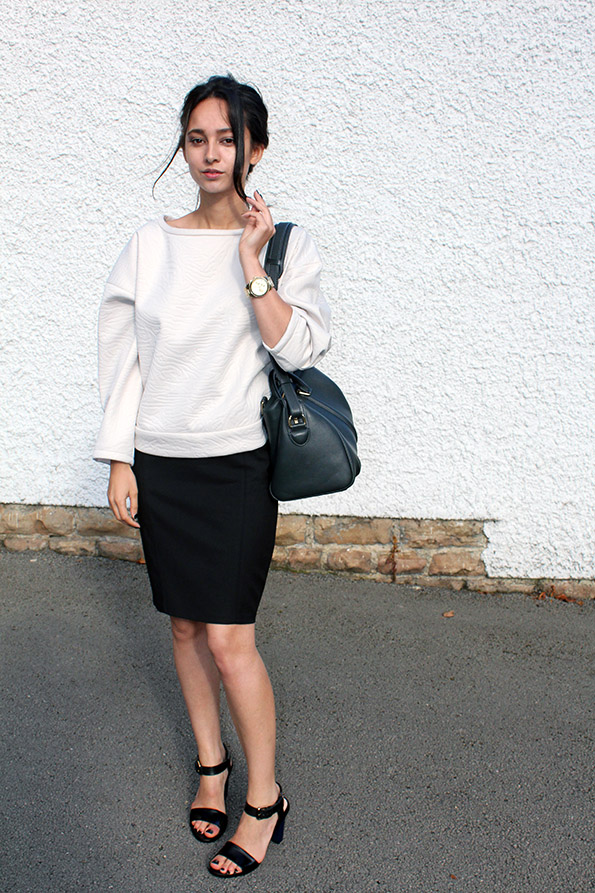 Rounded Shoulder Sweater Trend