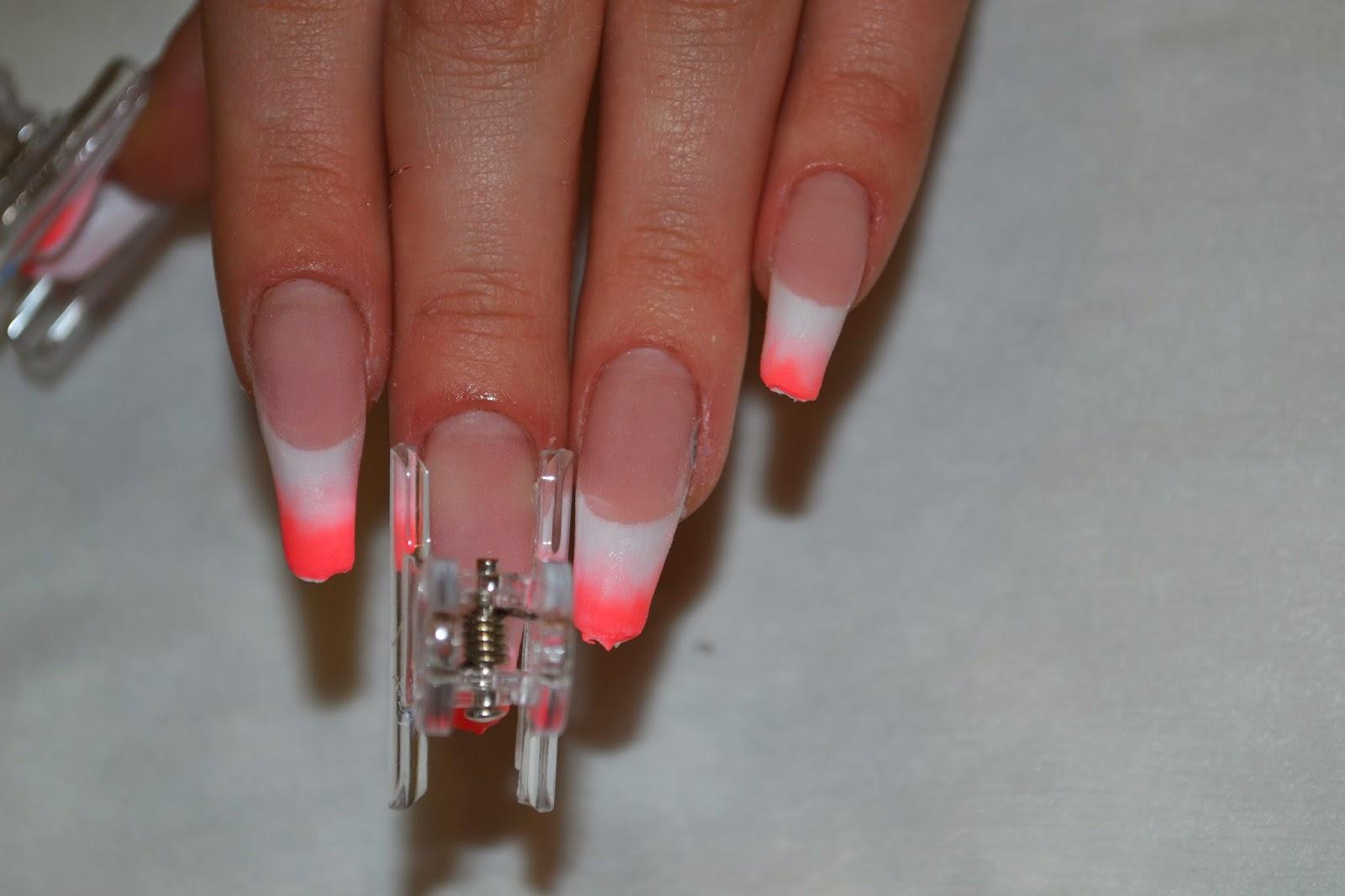 Красивый акрил на ногтях фото