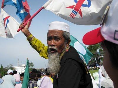 Melayu DAP terpinggir, SABTU lalu adalah hari paling malang bagi Melayu dalam DAP. Lapan calon Melayu terbabit tidak terpilih dalam pemilihan Jawatankuasa Kerja Pusat (CEC) pada Kongres DAP Kebangsaan Ke-16 yang berakhir esoknya di Pusat Sukan Antarabangsa Pulau Pinang (PISA), Pulau Pinang.