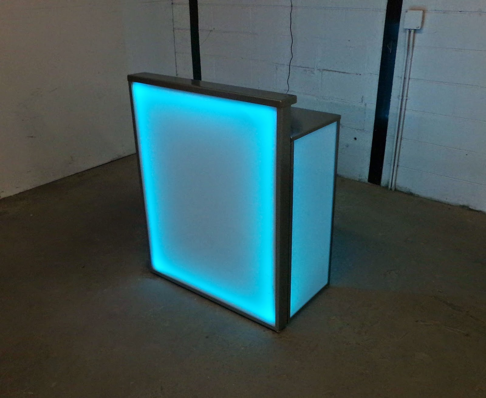 Here Is The Portable Lighted Mini Bar And Valet Table From BarChefs.com.