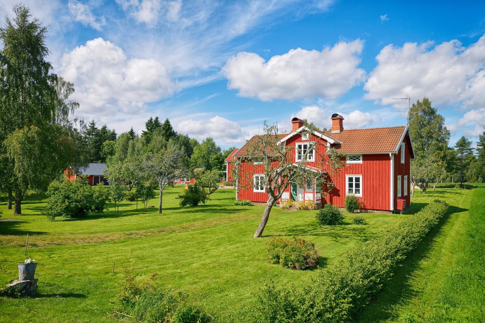 Banco de im genes 16 fotos de casas confortables y for Casas con jardines bonitos