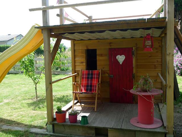 construire cabane bois enfant jardin