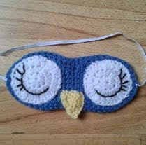 http://translate.googleusercontent.com/translate_c?depth=1&hl=es&rurl=translate.google.es&sl=en&tl=es&u=http://bitsandbobblesblog.blogspot.co.uk/2013/04/crochet-owl-sleep-mask-pattern.html&usg=ALkJrhiNKMIVItAJ2Js1AYflA4Sq5S39Ww