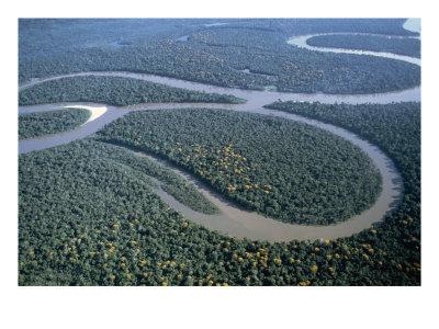 Berikut di bawah ini adalah daftar nama sungai, panjang dan letak