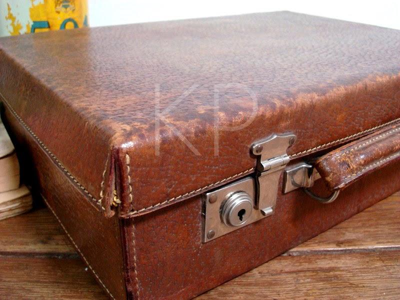 Maletas antiguos. maletines vintage de piel y cuero