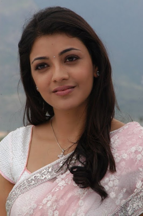 kajal agarwal looking in saree unseen pics