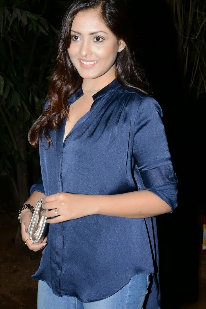 hot indian modal girl image JNR