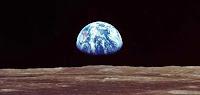 En esa esfera azul vivimos, de momento, nosotros...