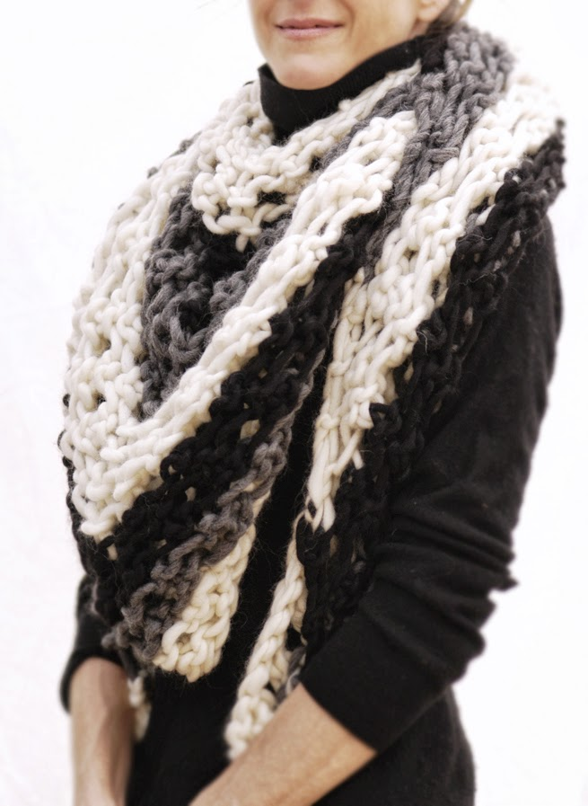 Knitting Patterns For Triangle Scarves : Knit 1 LA: the Scrappy Triangle Scarf