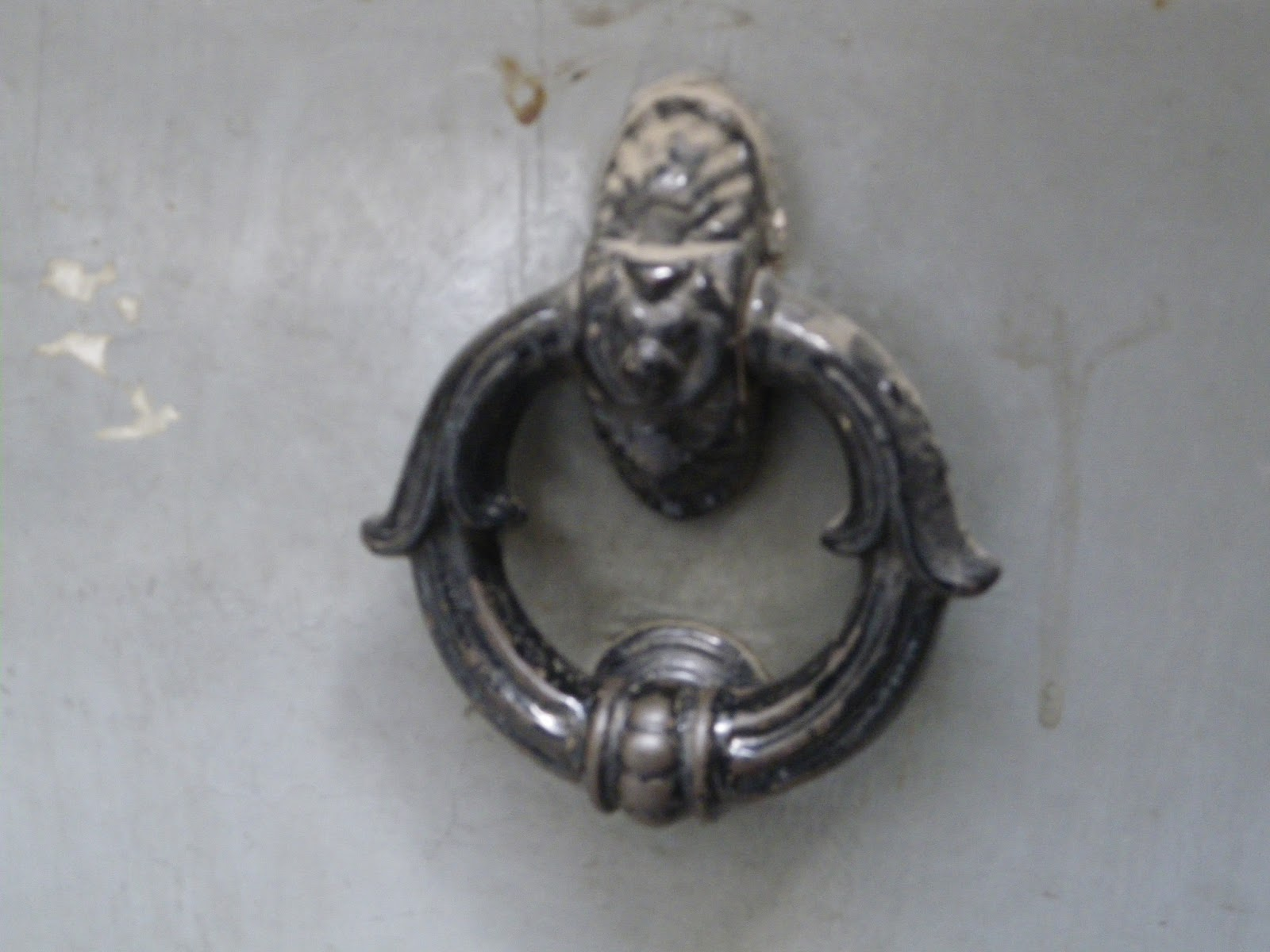 Cronologia di piazza armerina oggetto utile ma in disuso - Batacchio porta ...