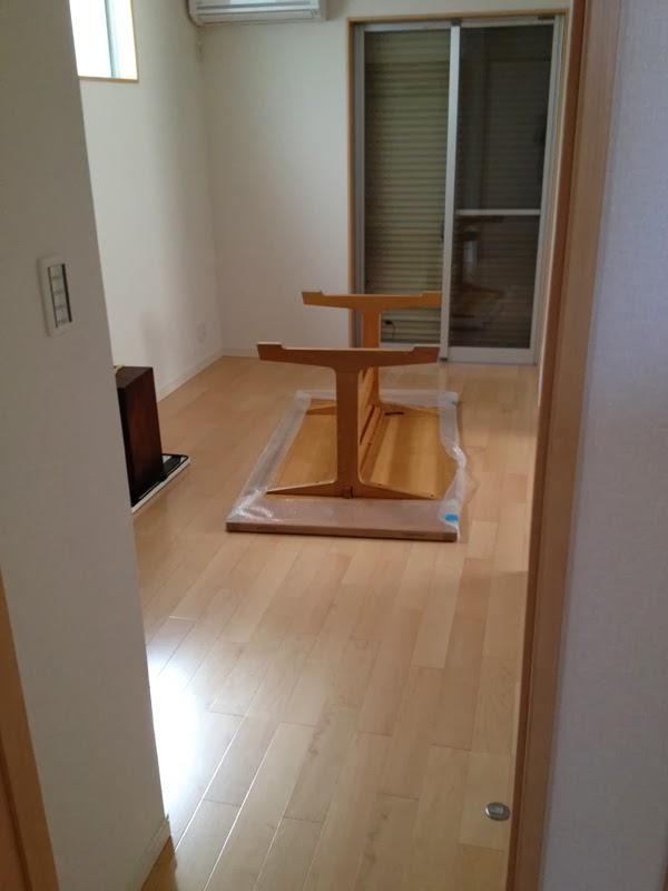 ヴィンテージのダイニングテーブル