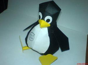Linux Mascot - Tux Papercraft