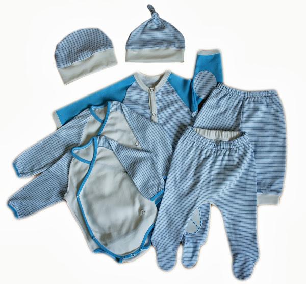 Комплект из двух боди с длинным рукавом, слипа-комбинезона, штанишек, ползунков и двух шапочек