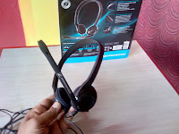 Best mic for voice chat,best mic for youtube video,best voice recording,best headphone,best budget headphone,headset,unboxing Sennheiser PC 3 Chat Headset,Sennheiser PC 3 review & testing,mic testing,audio testing,full review,Sennheiser headphone with microphone,best headphone for voice chat,mic for video chat,testing sound,budget headphone,Noise Cancel,microphone for chating,mic for voice recording,clear voice mic Sennheiser PC 3 Chat Headset Unboxing, Review & Testing   Click here for latest price & full specification...   Tag headphone, Logitech headphone, JBL headphone, Razer headphone, iball headphone, HP headphone, Bose headphone, Creative headphone, Philips headphone, Panasonic headphone, Apple headphone, Sony headphone, Pioneer headphone, Shure headphone, Skullcandy headphone,