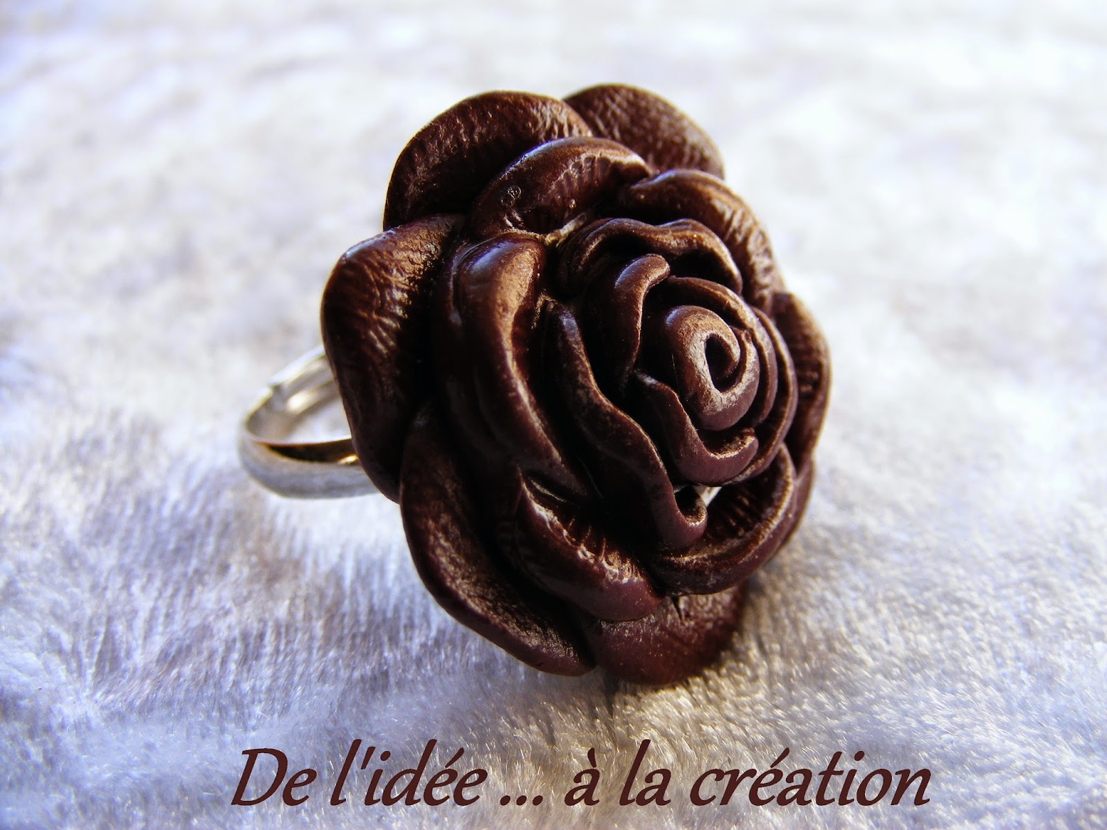 bijoux gourmands bague rose en chocolat. Black Bedroom Furniture Sets. Home Design Ideas