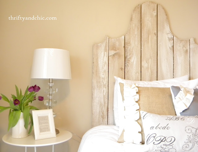 neutral guest room