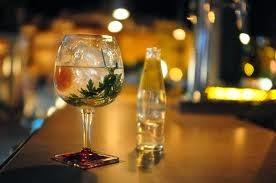 El gin tonic se ha reinventado para convertirse en la bebida de moda