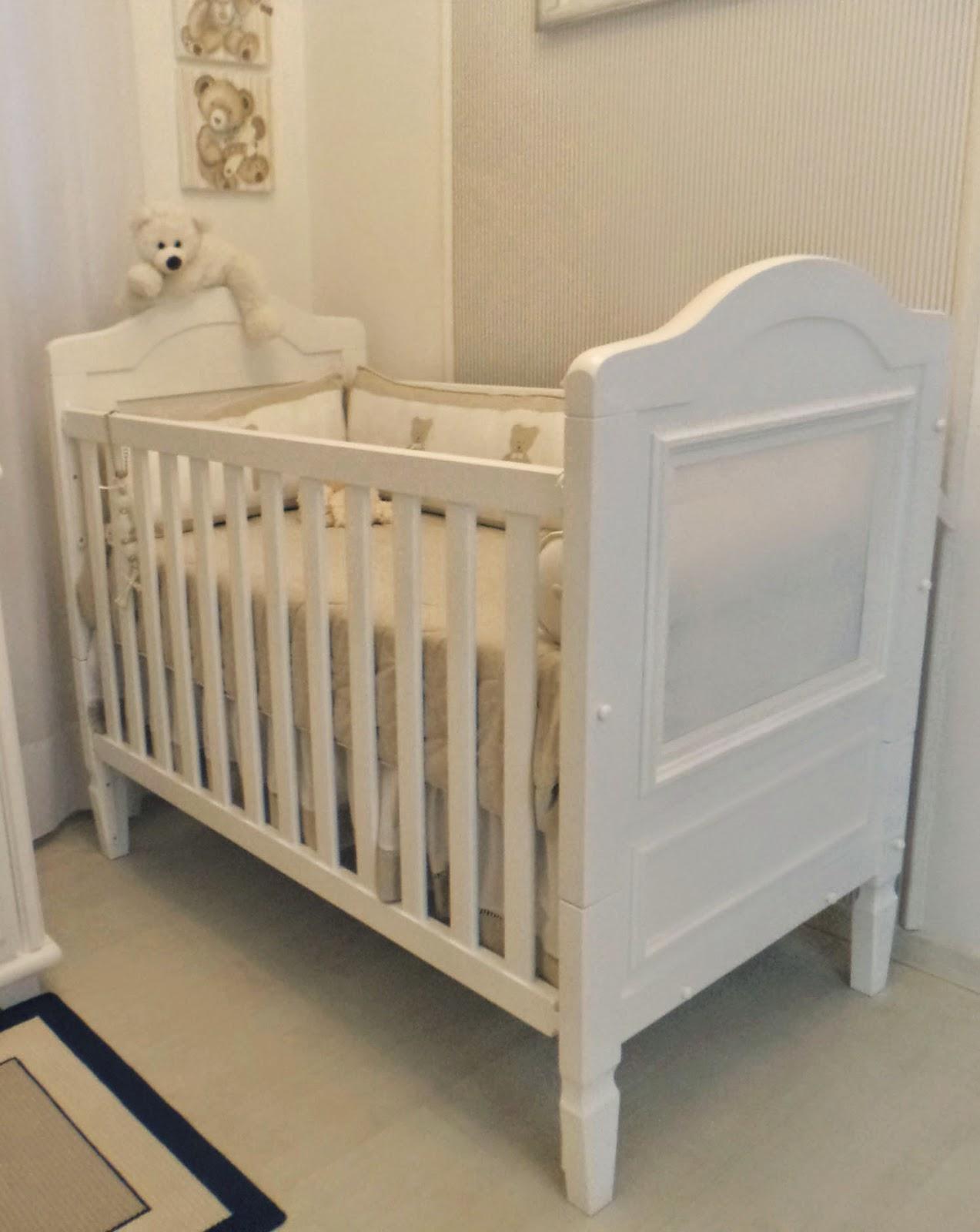 Berço Pérola com tela madeira maciça grade móvel branco fosco  #7F6B4C 1273x1600