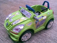 Motor Mainan Aki DoesToys DT825 Mercy Medium dengan Kendali Jauh