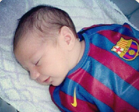 Lionel Messi s 2 Weeks Old Son Signed To Football ClubLionel Messi Wife And Son