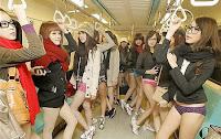 CLIP Bạn trẻ Đài Loan… mặc quần lót đi tàu điện ngầm | hay88.com